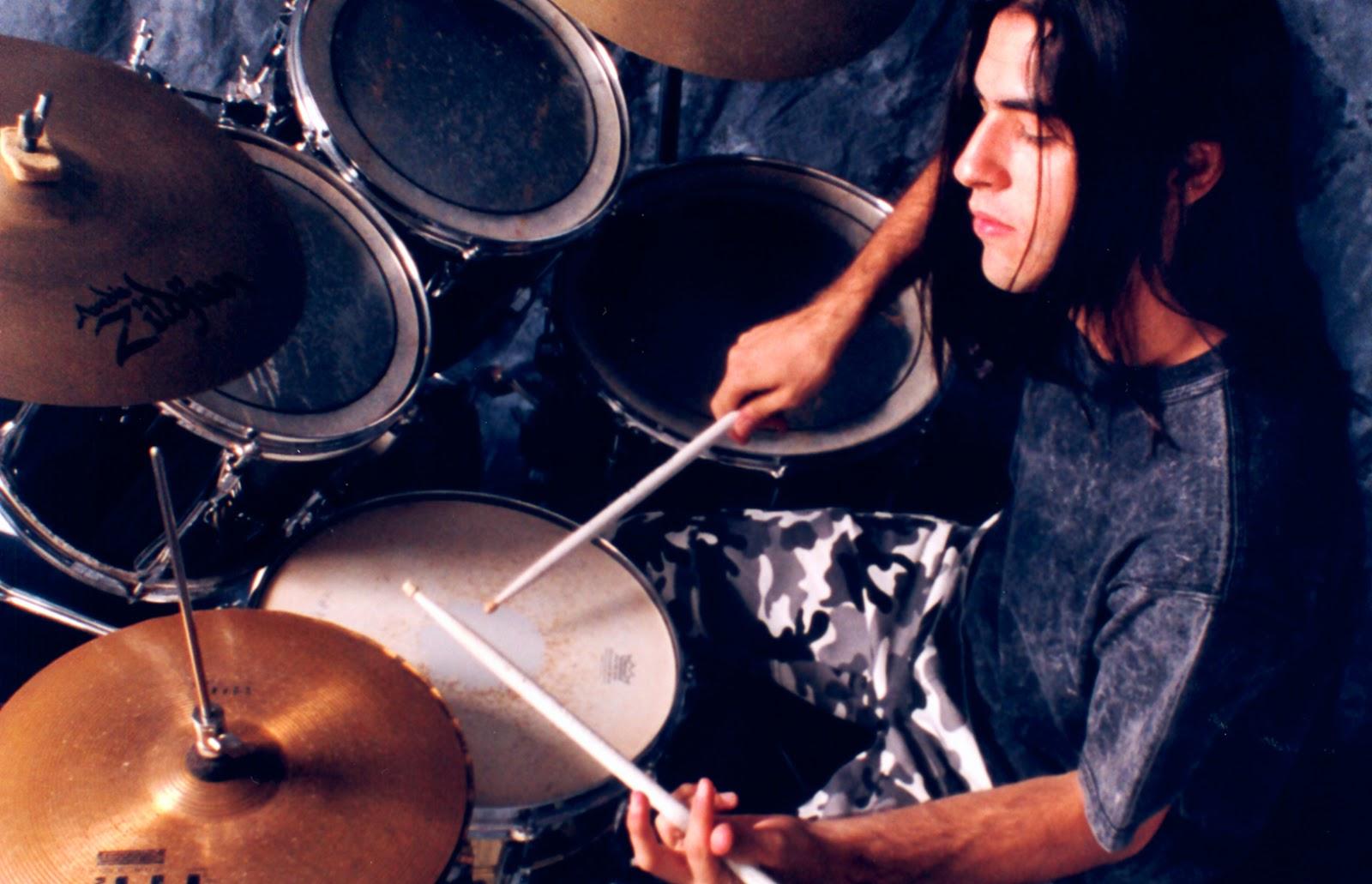 "<img src=""leonardo areco.jpg"" alt=""baterista argentino argentine drummer"">"