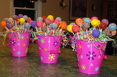 Resultado de imagem para decoração de festa com baldes