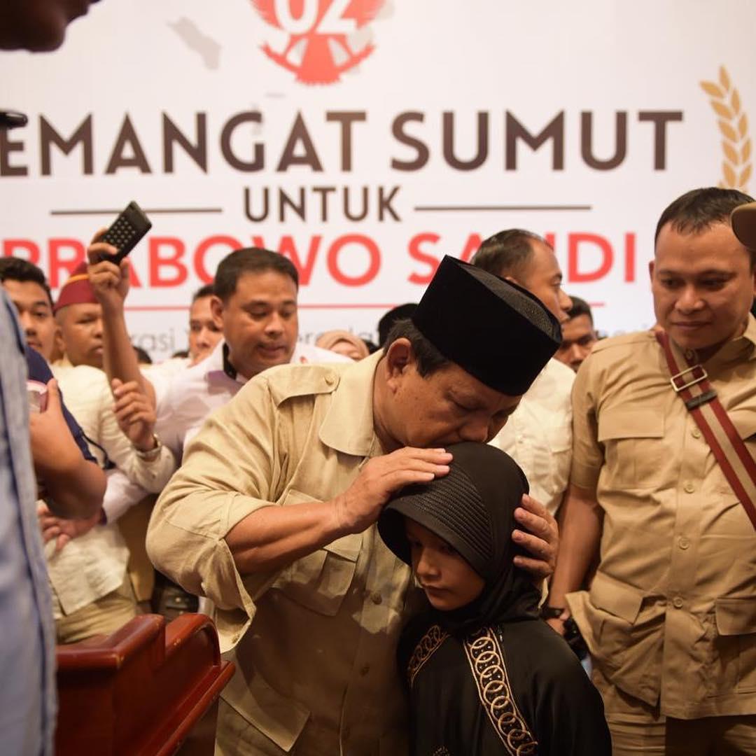 Terima Ini dari Gadis 8 Tahun, Tangis Prabowo Pecah