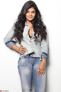 Tejashree   23 Year Old Beautiful South Telugu Actress ~  Exclusive Celebrities Galleries 002.jpg