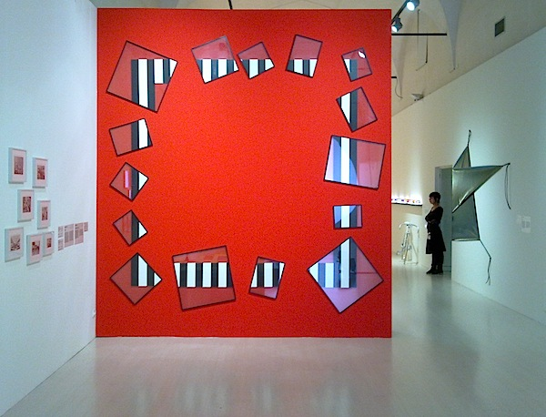 Novecento mai visto - Brescia - Daimler Art Collection - Daniel Buren, Ein Tanz mit einem Quadrat N°47 C, 1989