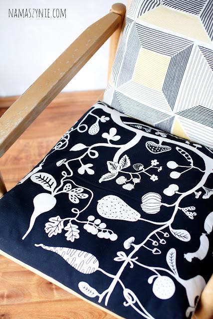Poduchy, fotel, renowacja, tapicerowanie, wrocław, wroclaw, rękodzieło, rzemiosło, warsztaty, trójkąt bermudzki, na maszynie,ikea, tkaniny, print, fabric, hand made, szycie, diy, sew, sewing,