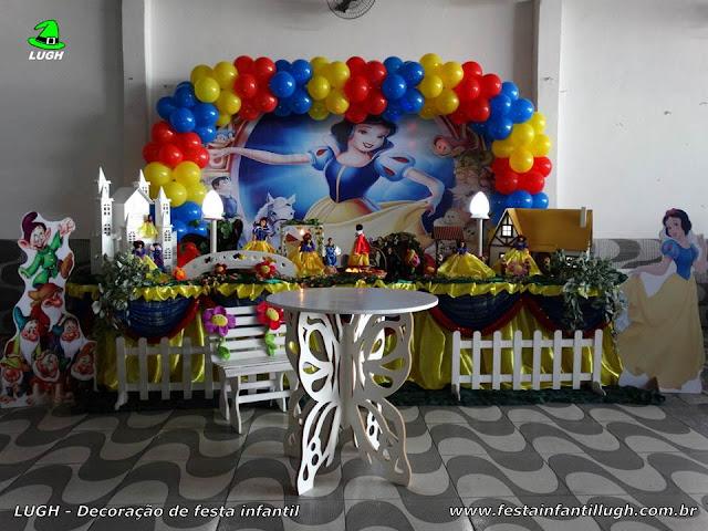 Decoração Branca de Neve, mesa temática para festa infantil de aniversário de meninas