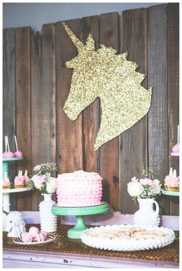 Festa de Aniversário Infantil Criativa com o Tema de Unicórnio GrupoÁgata Comercial Ltda ME  # Decoração De Festa Infantil Tema Unicornio