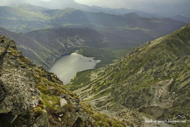 Widok na Czarny Staw Gąsienicowy ze Skrajnego Granata