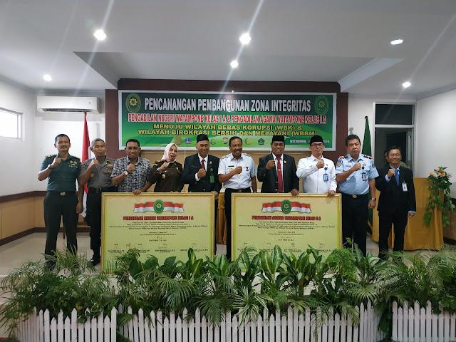 PN dan PA Watampone Gelar Pencanangan Pembangunan Zona Integritas Menuju WBK dan WBBM