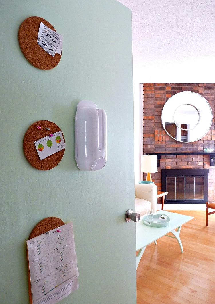 Use cork trivets as small corkboard
