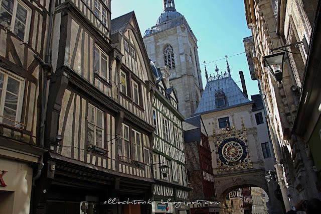 Wielki Zegar na głównej ulicy starego Rouen