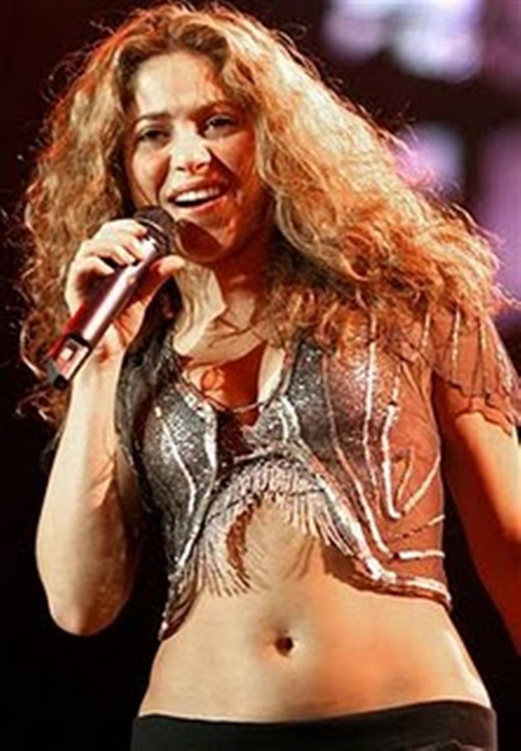 Shakira: Shakira Belly Pictures