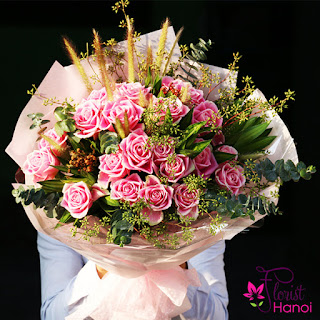 Buying at online flower shop Hanoi