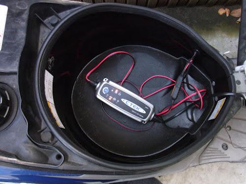 CTEK JS3300バッテリーチャージャー&メンテナー