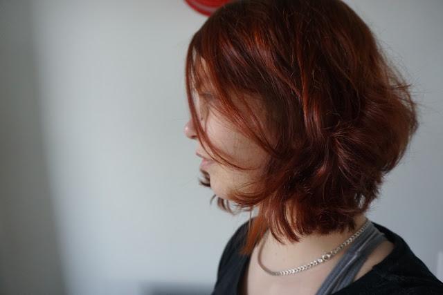 kasviväri henna vegaani vegan hiukset natural herbal hair color red punainen punapää