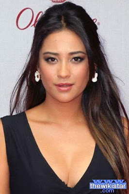 Life story Shay Mitchell, a Canadian actress, born on April 10, 1987.