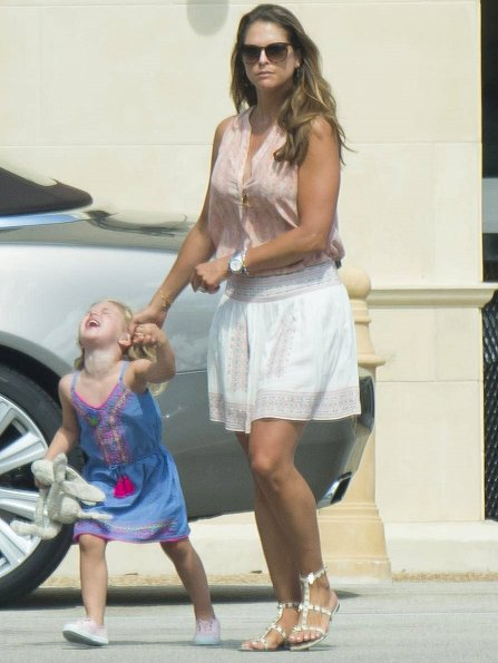 Princess Madeleine wore Joie Shandon skirt, Valentino Rockstud Sandals at Florida holiday. princess leonor, Prince Nicholas