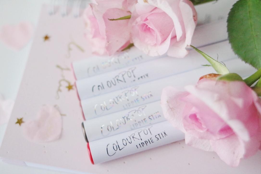 colourpop , lippie stix , revue, avis swatch , contempo , westie , WET , lumière , weekender , avis , revue , blog beauté , paris , beauté, rouges à lèvres ,rosemademoiselle , rose mademoiselle ,