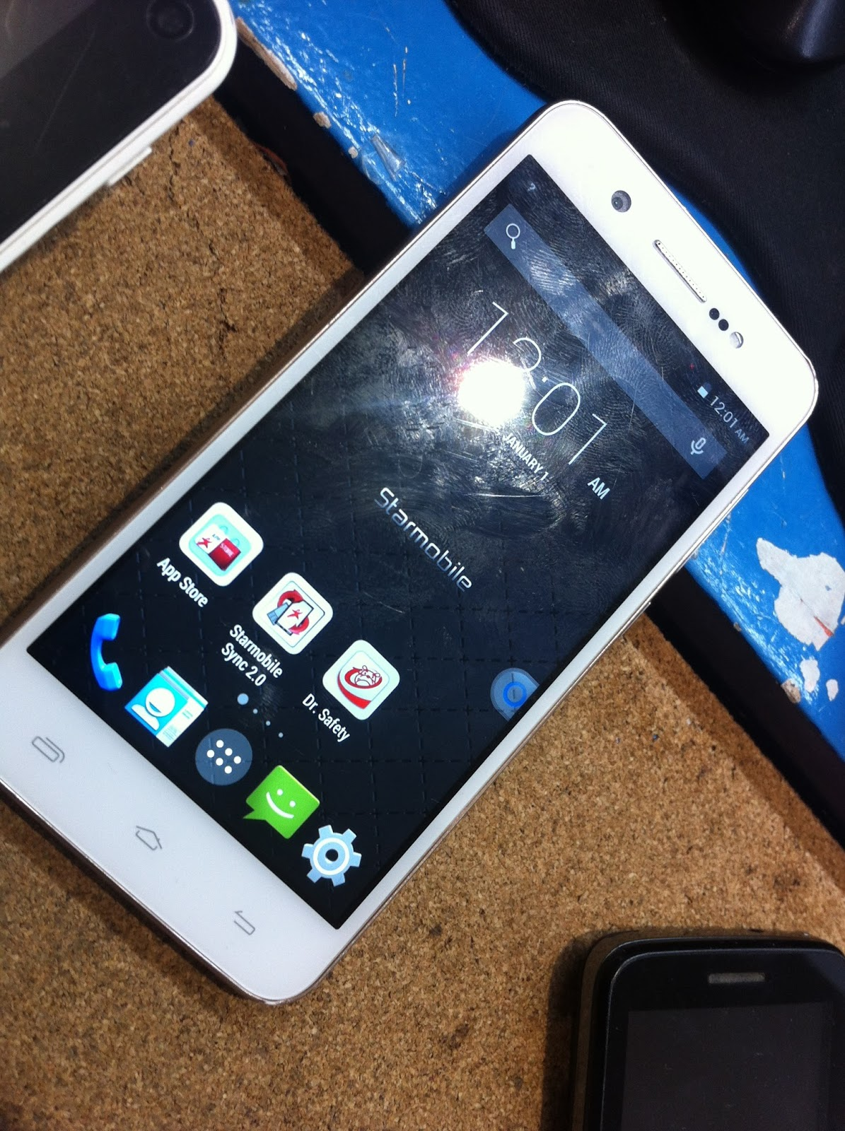 How To Fix Bricked Starmobile UP HD Gold Color - Cellphoneyeta