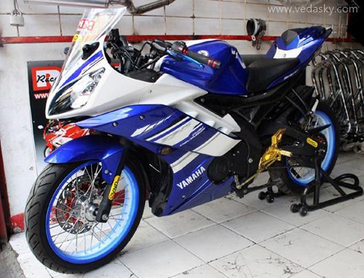 Gambar Modifikasi Motor Yamaha R15 Velg Jari Jari