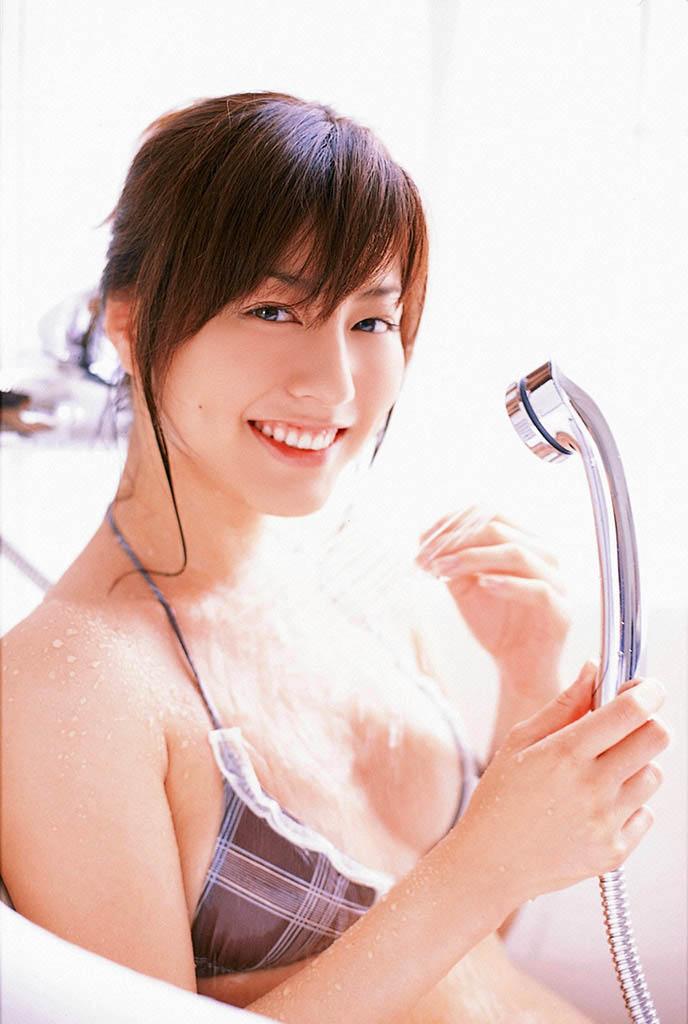 yumi sugimoto sexy bikini pics