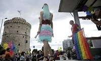 Πέταξαν στο Θερμαϊκό άνδρες που πήγαιναν στο Gay Pride
