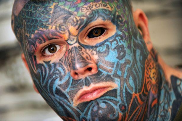 Tetovaže Mu Nisu Bile Dosta Pa Je žigosao Lice 5arda