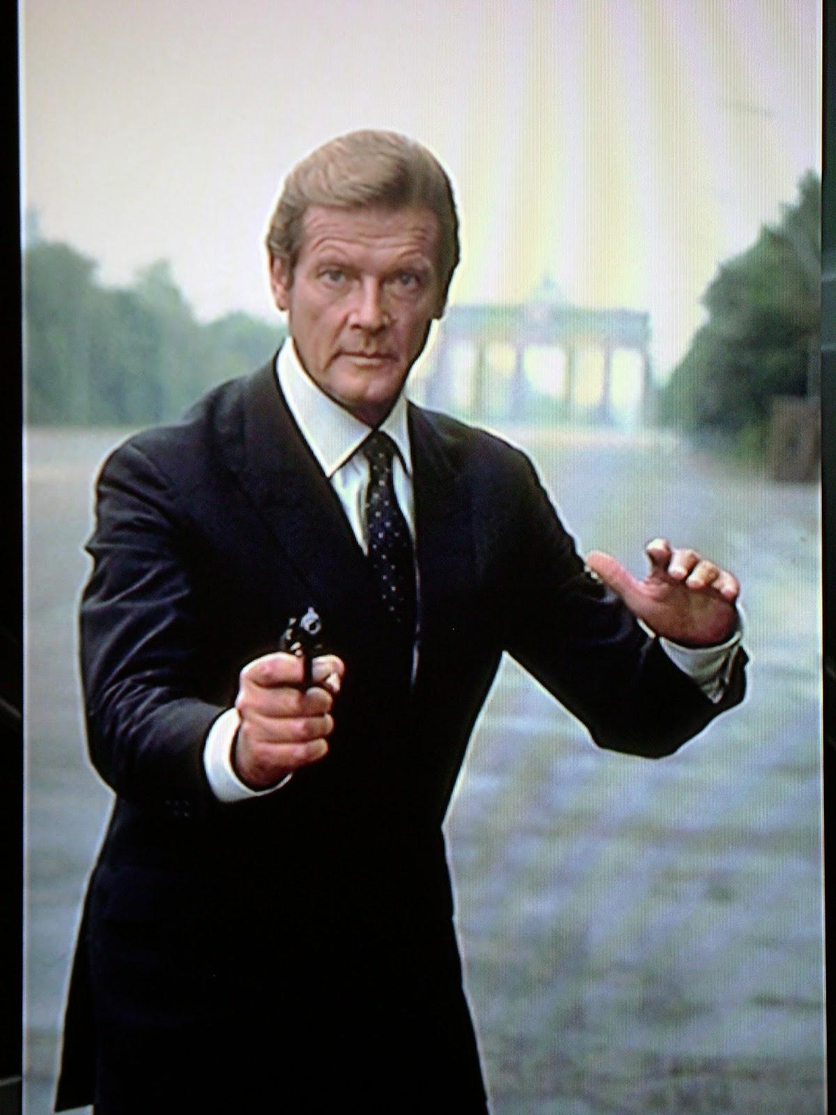 007 TRAVELERS: 007 Filming location: Brandenburg Gate ...