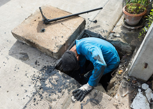 How to Choose Professional Drain Specialist Service