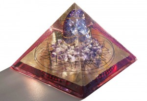 http://litethelight.bigcartel.com/product/lg-purple-blue-brazilian-crackle-quartz-amethyst-sri-yantra-gd-red