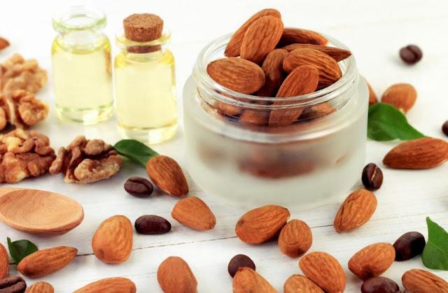 Ilustrasi kacang almond