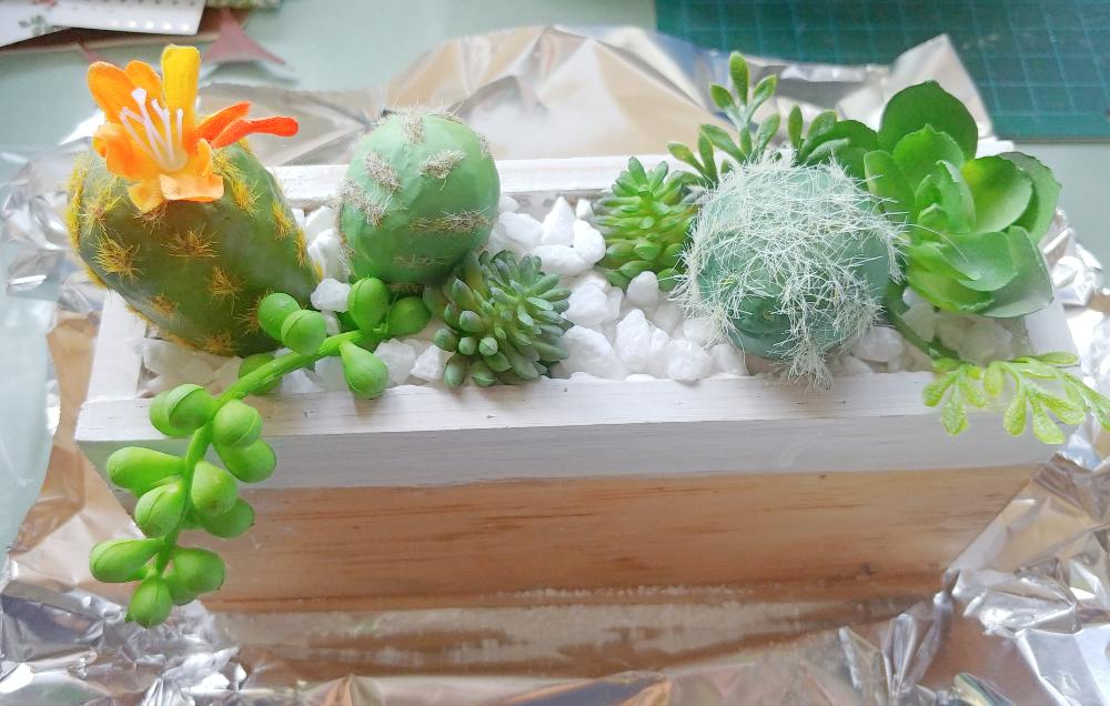 faux potted plants