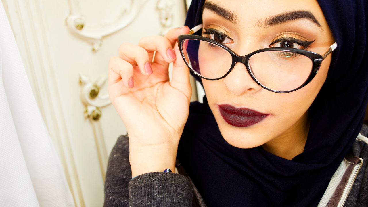 Makeup For Glasses Wearers Autumnal Dramatic Golden Smoky Eye