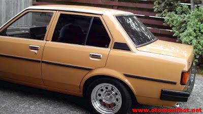 Eksterior Mobil Corolla DX