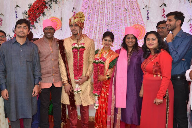 mrunal dusanis marriage photos