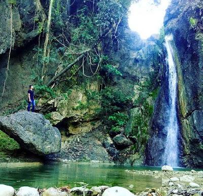 wisata air terjun grenjeng
