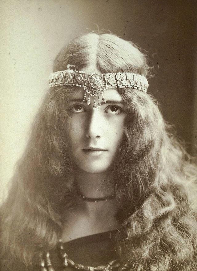 Vintage Beautiful Women