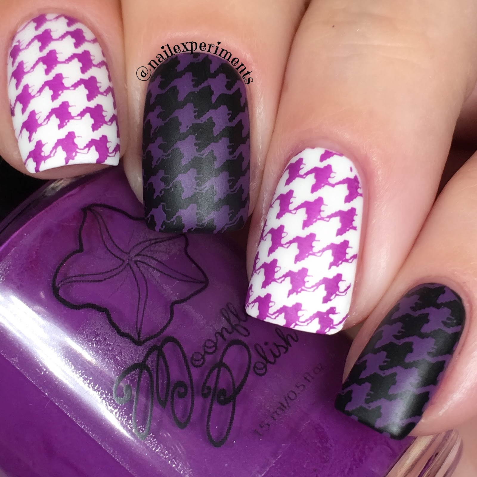 Moon flower polish violeta swatch