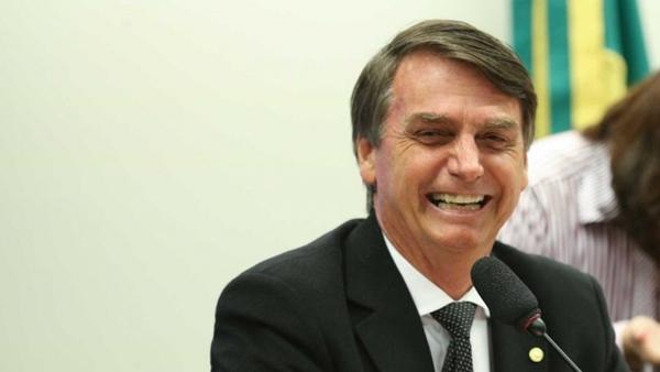 Bolsonaro defende interesse de ricos e jovens, revela pesquisa Ibope