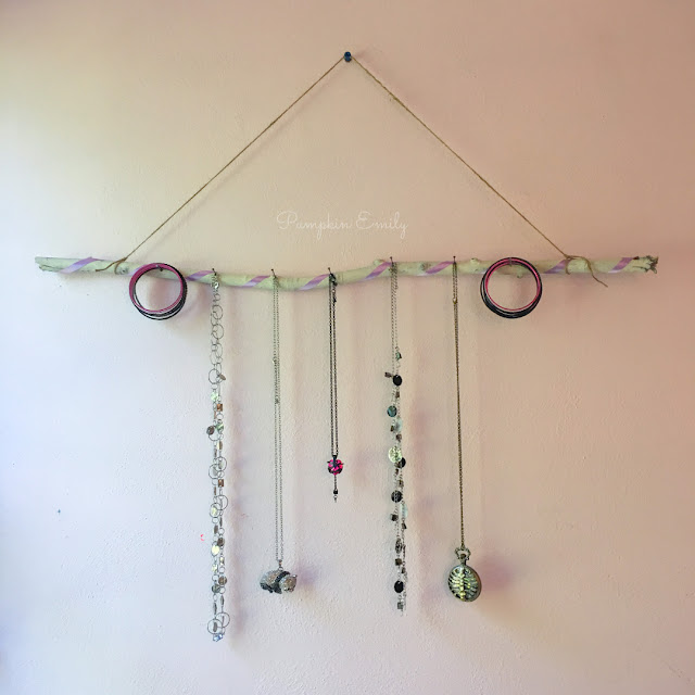 Easy & Cheap DIY Jewelry Organizer