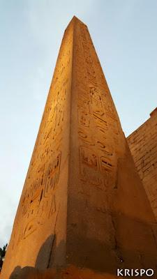 obelisco en luxor en egipto