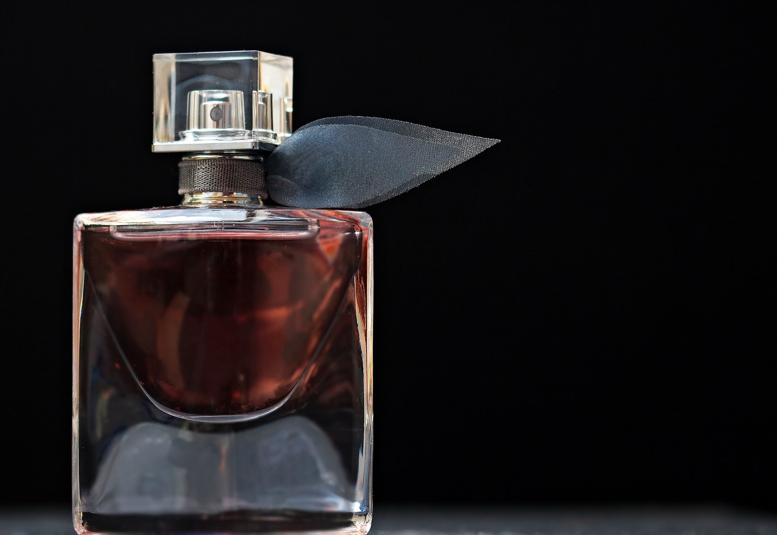 7 Perfumes For The Manliest Men That Woman Loves | Grooming