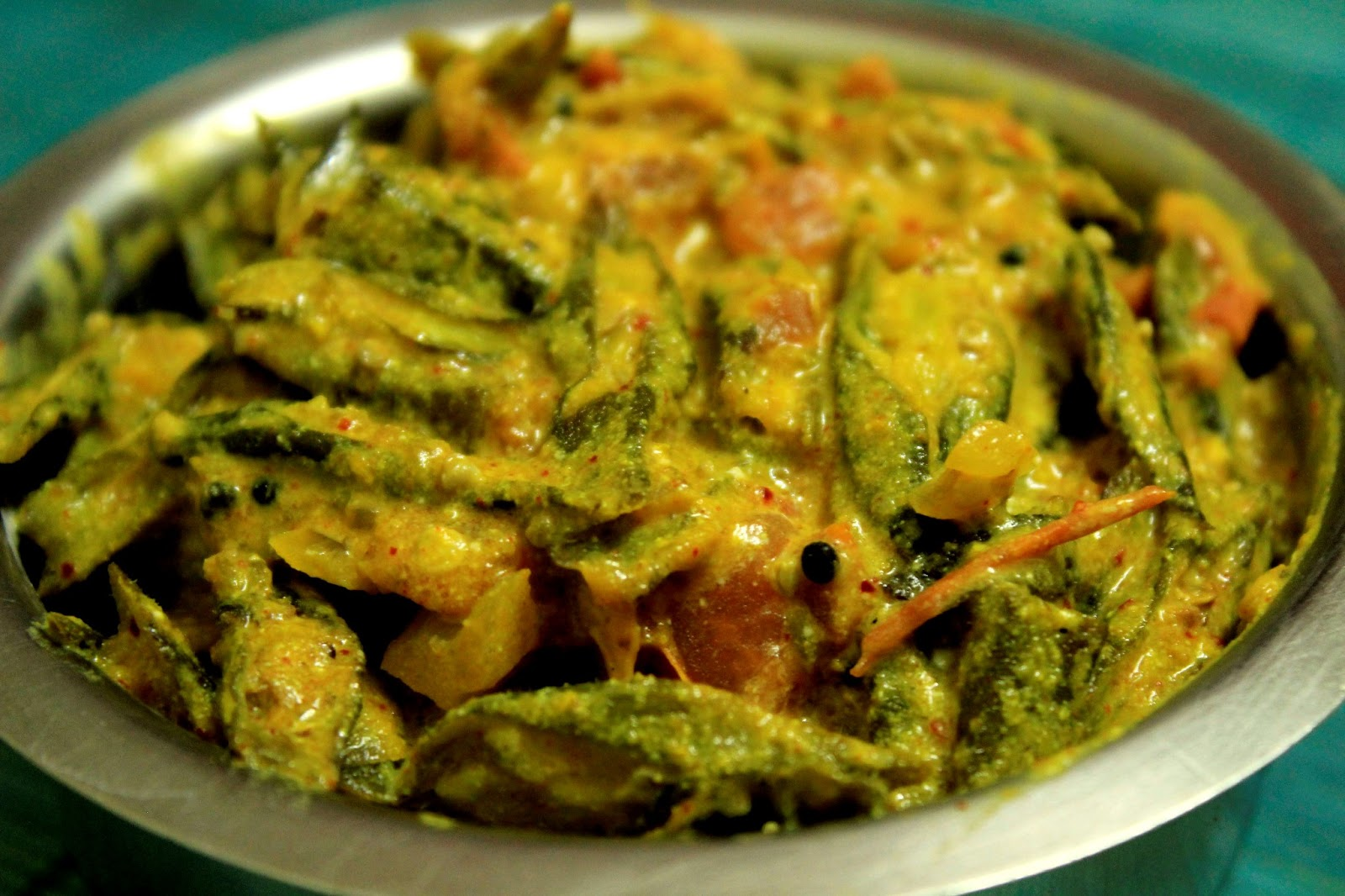 Okra cooked with yogurt and spices