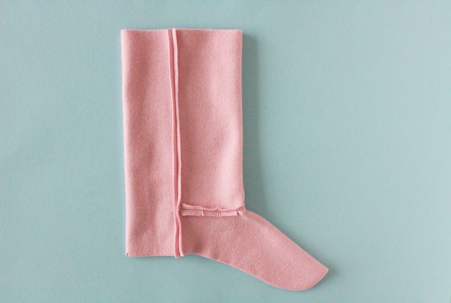 5d23dc4a1be Free Sewing Pattern! Make Your Own Snuggly Slipper Boots - Tilly and the  Buttons