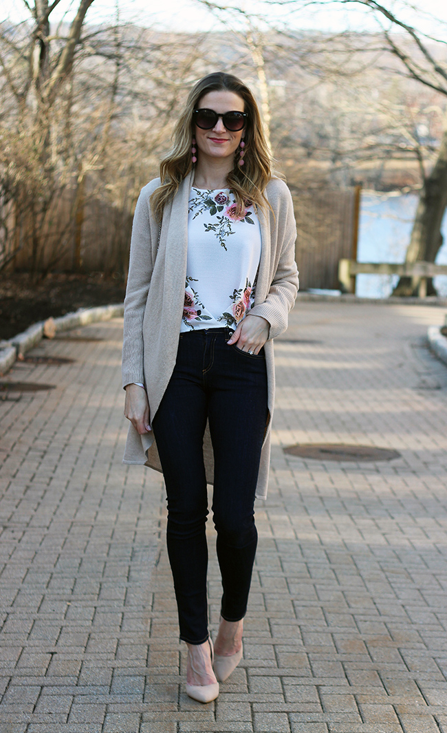 Woman's Floral Top #floralblouse #springfashion