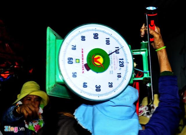 Chợ tỏi 4h sáng trên đảo Lý Sơn - Hình 5