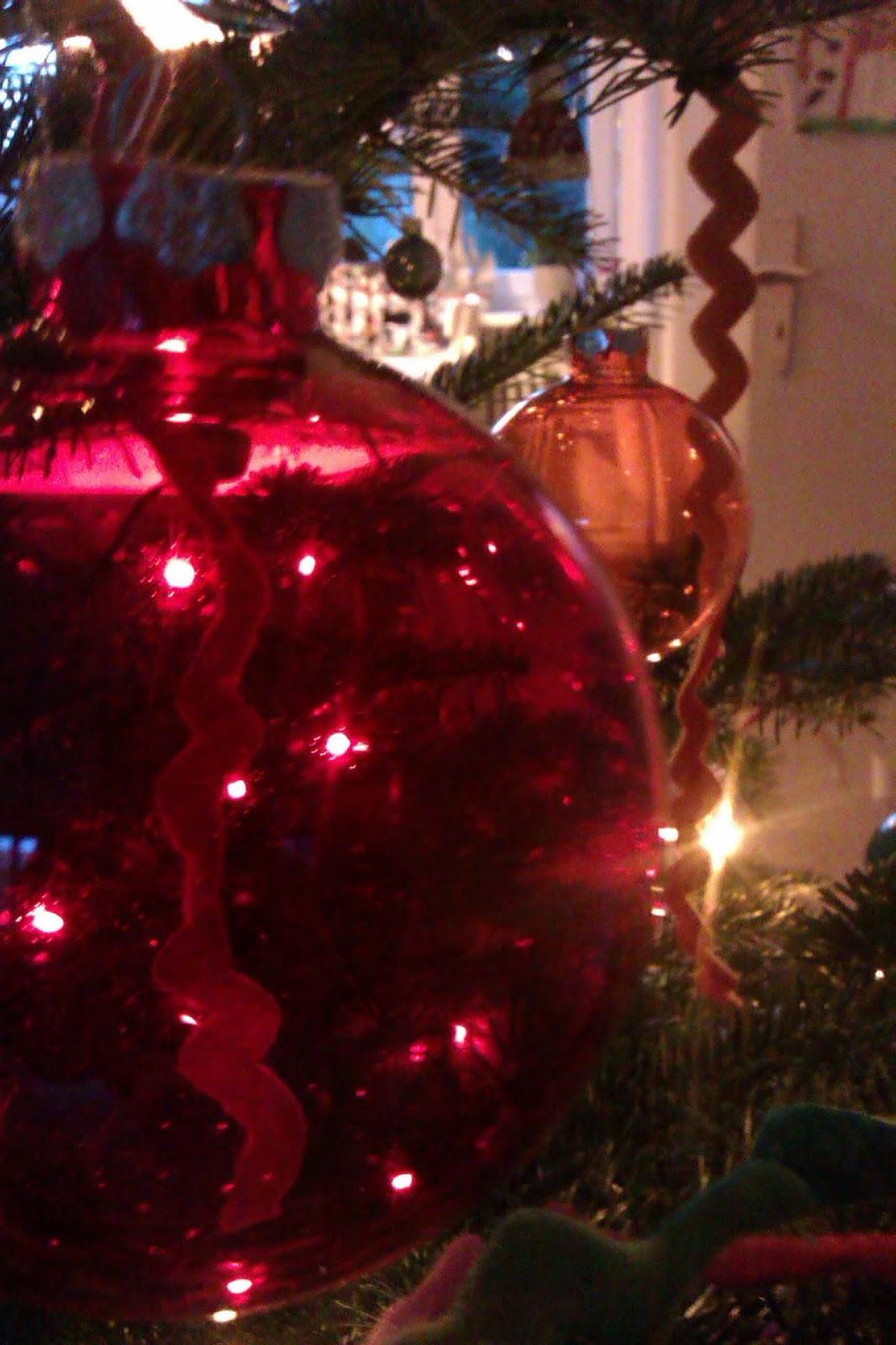 Grüne Gurke Im Weihnachtsbaum.Frau Frieda Ein Kunterbunter Weihnachtsbaum