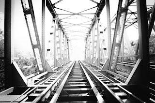 keunggulan saham infrastruktur