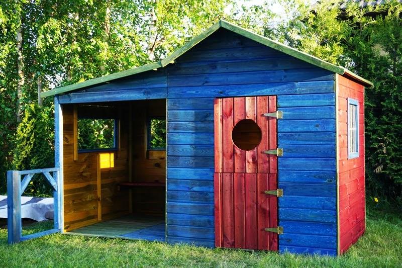 jak zmontować drewniany domek dla dzieci Ela - niebiesko czerwony