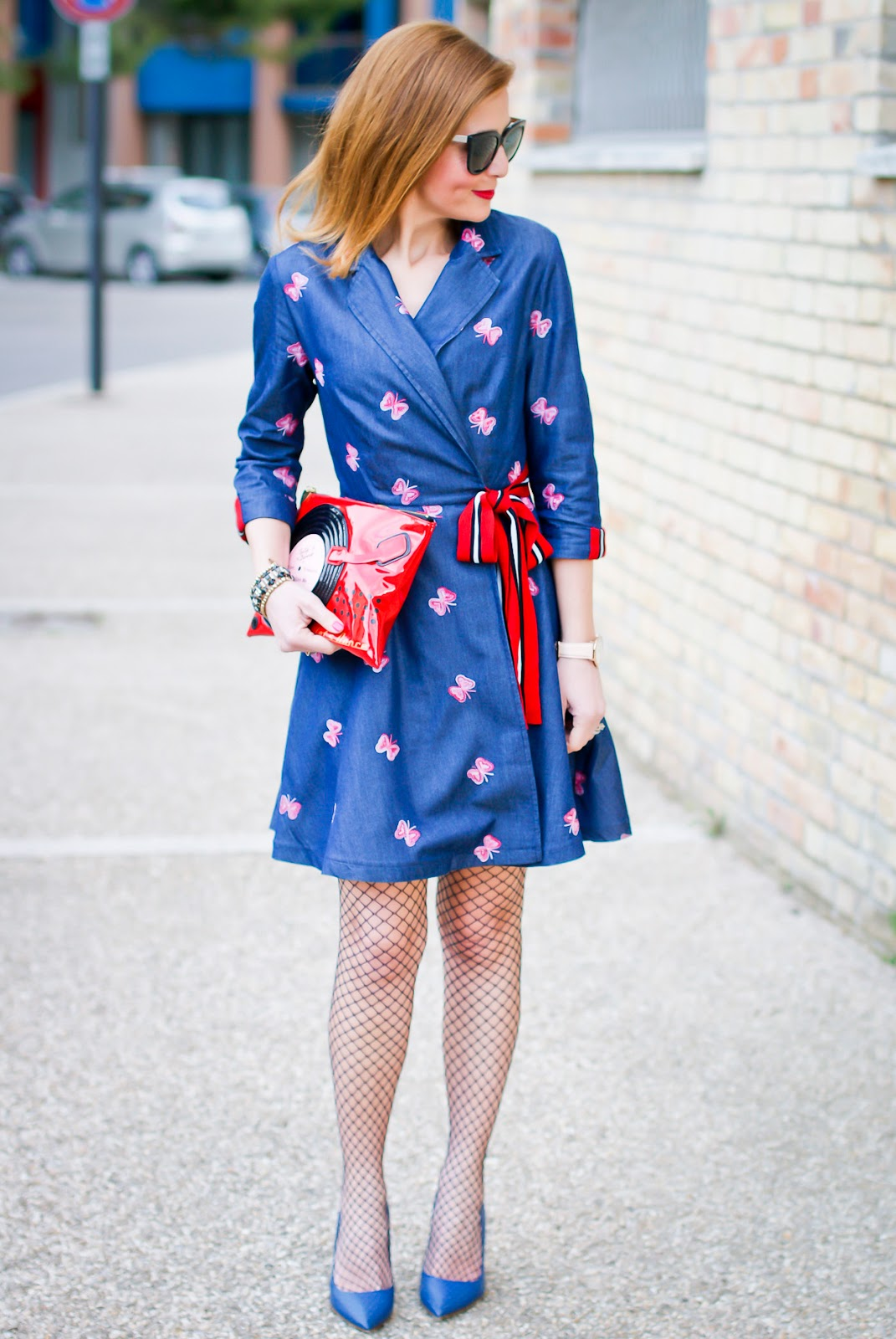 Butterfly denim dress from Metisu on Fashion and Cookies fashion blog, fashion blogger style