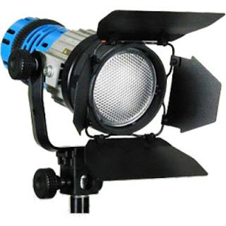 HMI atau Hydrargyrum Medium-arc Iodidle memiliki pencahayaan yang bagus dan sering digunakan untuk kebutuhan syuting
