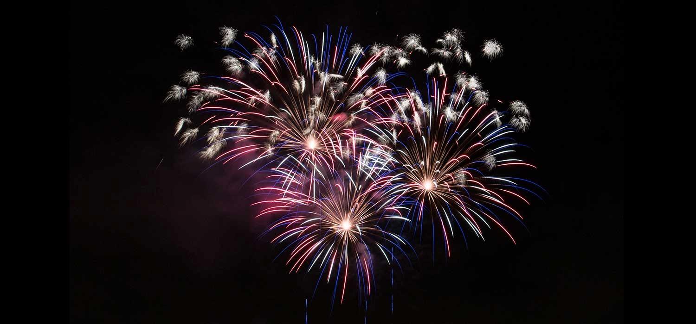 Hình nền pháo hoa chào đón năm mới