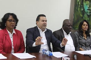 Regidores SDE piden a Danilo Medina realizar titulaciones en 18 sectores sin intermediarios